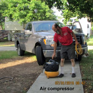 David with air compressor