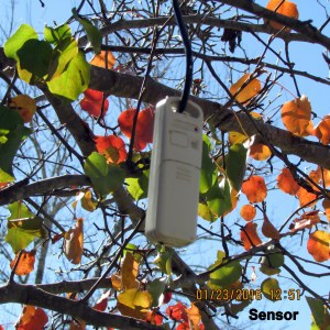 Sensor for outdoor-indoor thermometer