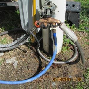 Three hoses on manifold