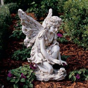 garden-fairy-statue