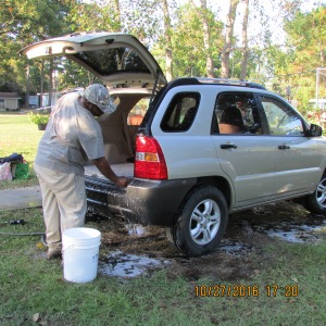James cleaning the KIA (3)